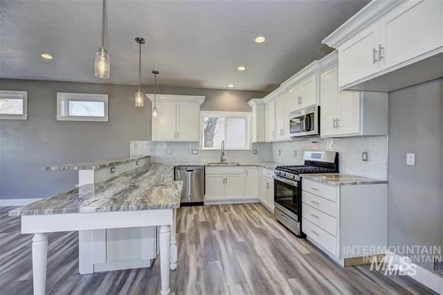 1014 S Boise Ave, Emmett, ID 83617 (MLS #98766470) :: Full Sail Real Estate