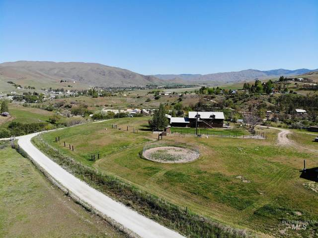 15 Hisaw Rd, Horseshoe Bend, ID 83629 (MLS #98766874) :: Build Idaho