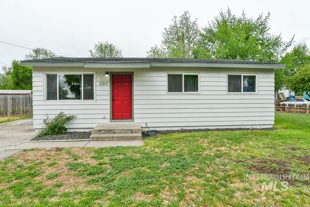 207 N 4th West, Mountain Home, ID 83647 (MLS #98767098) :: Boise River Realty