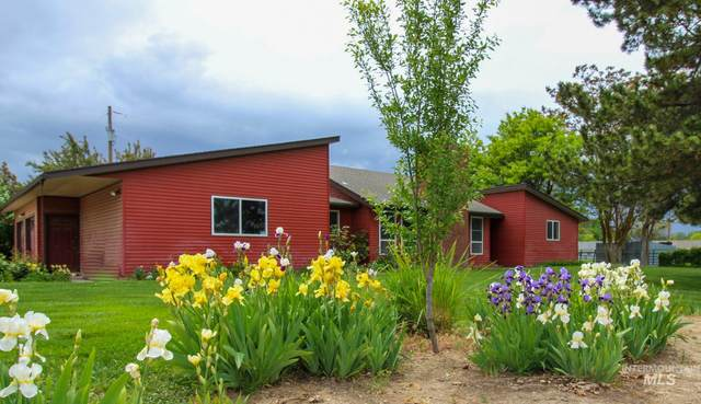 1707 S Park Blvd, Ontario, OR 97914 (MLS #98767321) :: New View Team