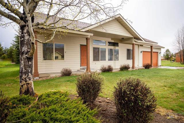20 Charters Dr, Donnelly, ID 83615 (MLS #98767502) :: Epic Realty