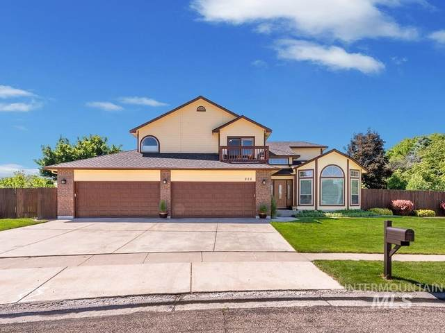 555 Eagle Hills Way, Eagle, ID 83616 (MLS #98767660) :: Haith Real Estate Team