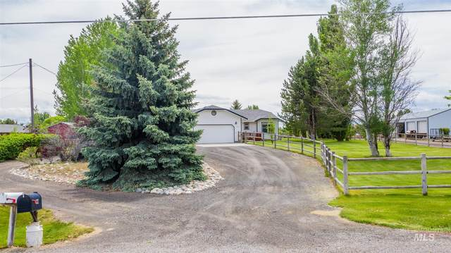 237 Mountain View E, Jerome, ID 83338 (MLS #98767905) :: Juniper Realty Group