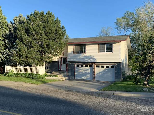 735 E 15th N, Mountain Home, ID 83647 (MLS #98768056) :: Juniper Realty Group