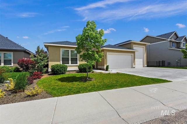 1876 N Azurite Dr, Kuna, ID 83634 (MLS #98768289) :: City of Trees Real Estate