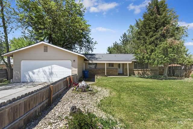 1208 E. Greenhurst Rd, Nampa, ID 83686 (MLS #98768344) :: New View Team