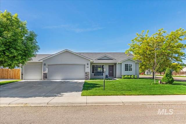 397 E Whitbeck, Kuna, ID 83634 (MLS #98768417) :: New View Team