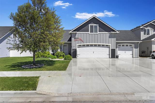 881 Gregory Way, Twin Falls, ID 83301 (MLS #98768444) :: Team One Group Real Estate