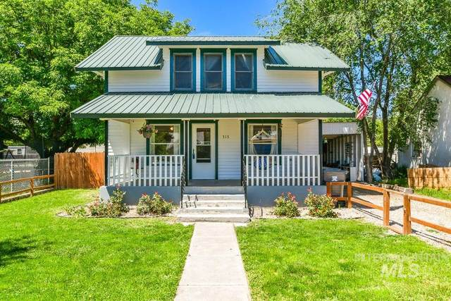 313 4th St, Wilder, ID 83676 (MLS #98768474) :: Team One Group Real Estate