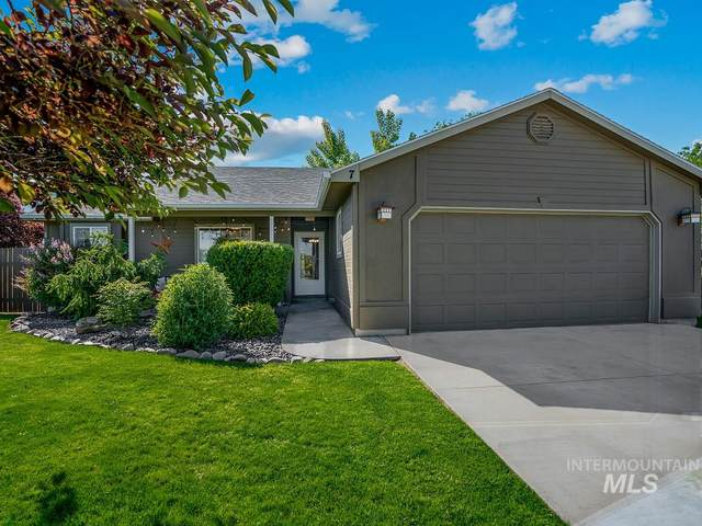 7 S Bonner St, Nampa, ID 83651 (MLS #98768585) :: Haith Real Estate Team