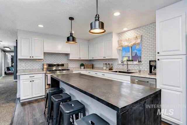 287 E Deer Flat, Kuna, ID 83634 (MLS #98768774) :: Jon Gosche Real Estate, LLC