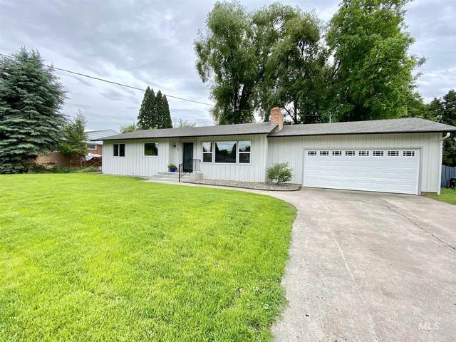 424 Linden Drive, Lewiston, ID 83501 (MLS #98768875) :: Story Real Estate