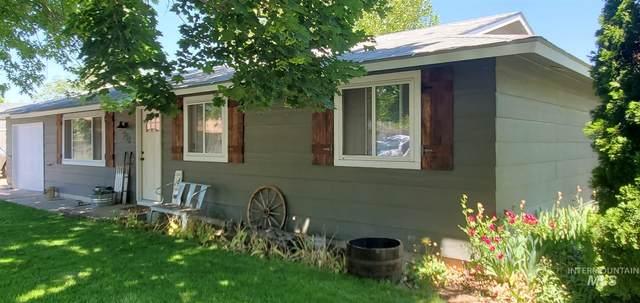 930 N Pilar Court, Kuna, ID 83634 (MLS #98768983) :: Idaho Real Estate Pros