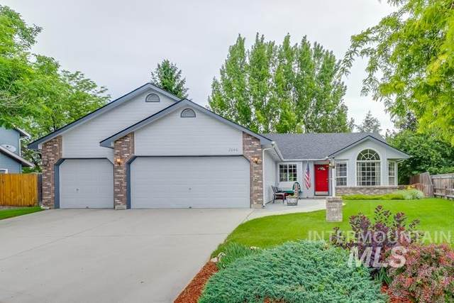 2090 W Chateau Dr, Meridian, ID 83646 (MLS #98769175) :: Idaho Real Estate Pros