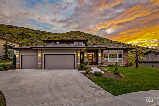 2168 W Bent Bow Ct, Boise, ID 83703 (MLS #98769235) :: Team One Group Real Estate