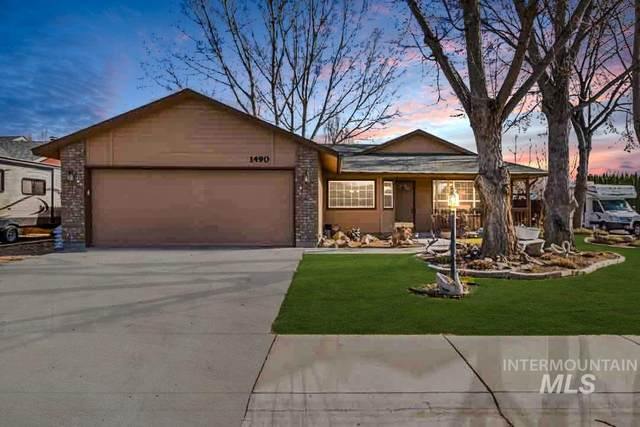 1490 N Haven Cove, Meridian, ID 83642 (MLS #98769489) :: New View Team