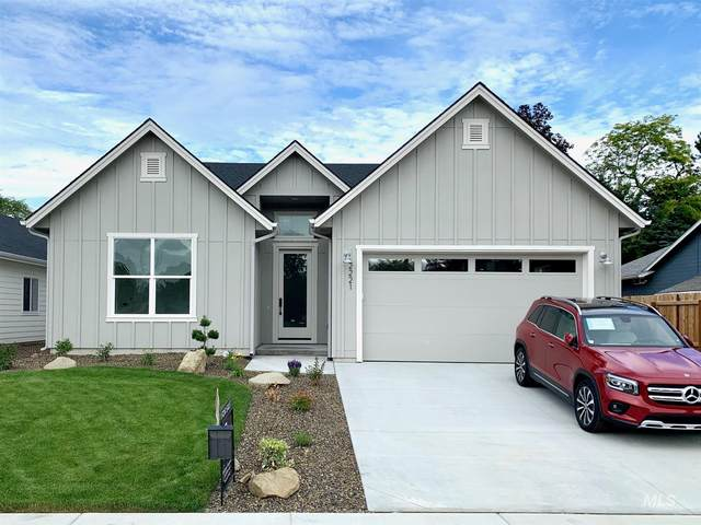 2221 Sunset Ave, Caldwell, ID 87605 (MLS #98770545) :: Story Real Estate