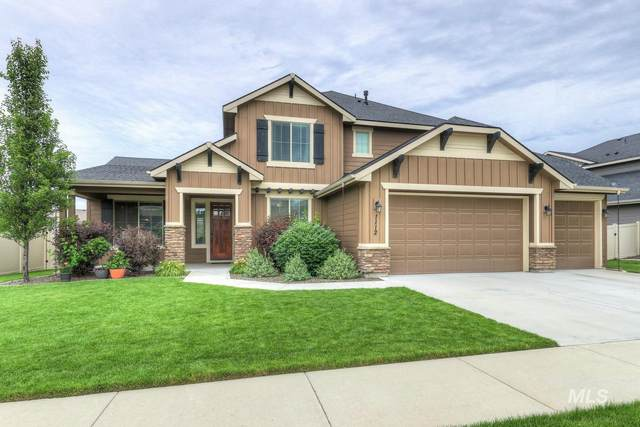 1112 W Bear Track Dr, Meridian, ID 83642 (MLS #98770594) :: Story Real Estate