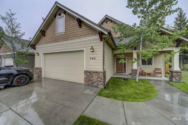 745 Deer Forest, Mccall, ID 83638 (MLS #98770990) :: Epic Realty