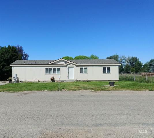 305 N Grape St., Shoshone, ID 83352 (MLS #98771373) :: Minegar Gamble Premier Real Estate Services