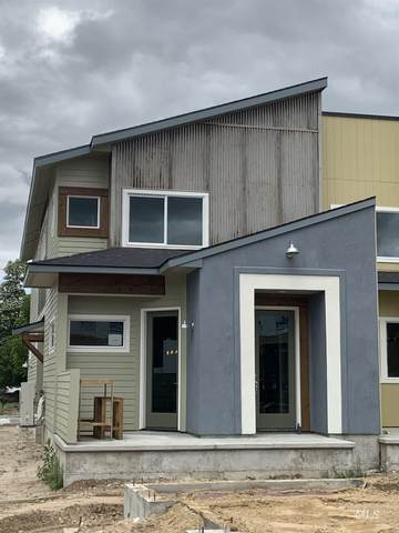 413 E Danika Lane, Garden City, ID 83714 (MLS #98771382) :: Build Idaho