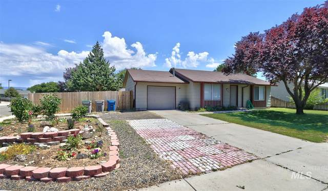 2322 N Hampton, Boise, ID 83704 (MLS #98771466) :: Minegar Gamble Premier Real Estate Services