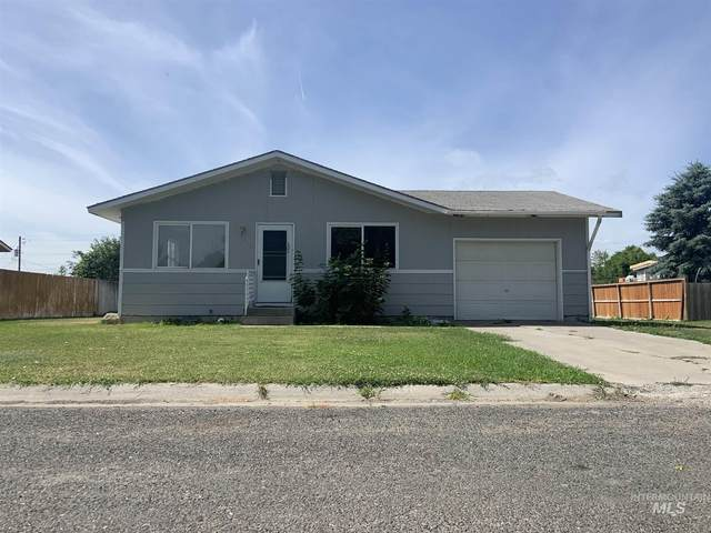215 Dorothy, Gooding, ID 83330 (MLS #98771679) :: City of Trees Real Estate