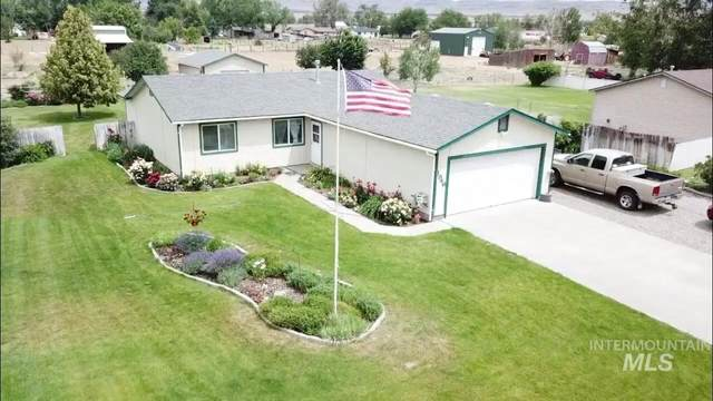 1946 Summerwind Drive, Mountain Home, ID 83647 (MLS #98771995) :: Adam Alexander