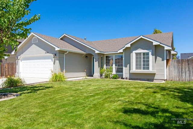 2106 E Kara Anne Avenue, Nampa, ID 83686 (MLS #98772396) :: Silvercreek Realty Group