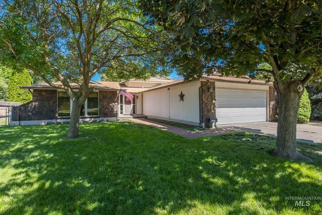 3808 N Hawthorne Dr, Boise, ID 83703 (MLS #98772407) :: Full Sail Real Estate