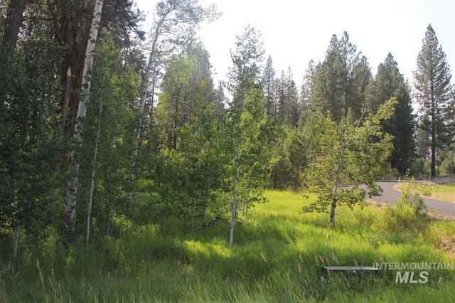 257-261 Barker Ln, Donnelly, ID 83615 (MLS #98772549) :: City of Trees Real Estate