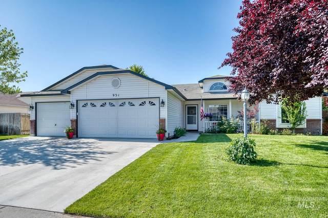 931 W Waterbury Drive, Meridian, ID 83646 (MLS #98772770) :: Team One Group Real Estate