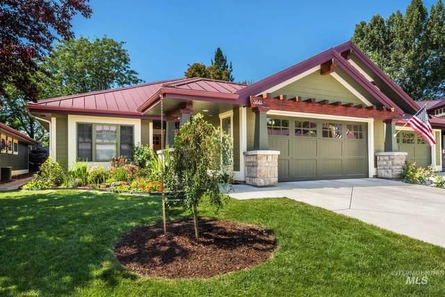 3647 N Ambergina Ln, Boise, ID 83703 (MLS #98772837) :: Full Sail Real Estate