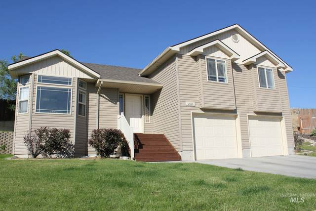 2860 NE Haskett Pl, Mountain Home, ID 83647 (MLS #98772942) :: Jon Gosche Real Estate, LLC