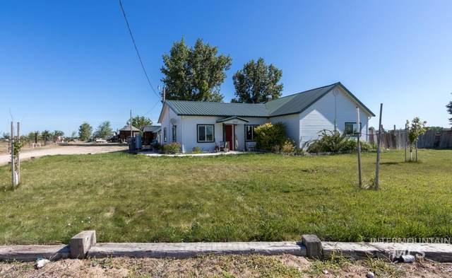 9458 Missouri Ave, Nampa, ID 83686 (MLS #98772957) :: Bafundi Real Estate