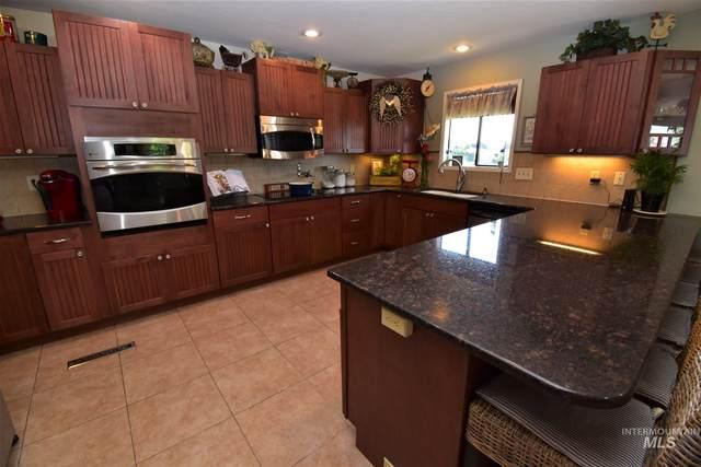 2866 Mayfair Drive, Lewiston, ID 83501 (MLS #98773112) :: Michael Ryan Real Estate