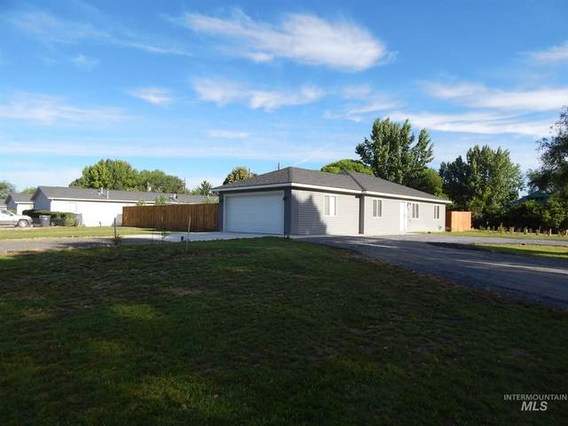 230 N Bliss, Wendell, ID 83355 (MLS #98773175) :: New View Team