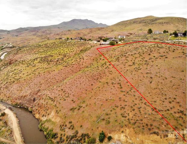 2097 Corral Rd, Emmett, ID 86317 (MLS #98773405) :: Build Idaho