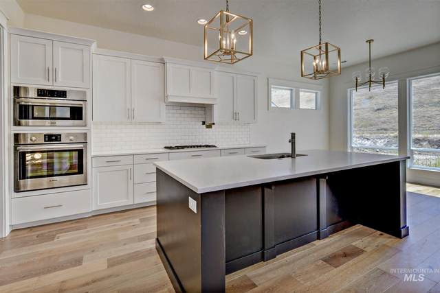 3203 W Antelope View Dr, Boise, ID 83714 (MLS #98773570) :: Build Idaho
