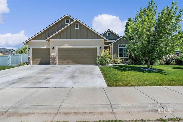 922 S Red Sand Ave, Kuna, ID 83634 (MLS #98773589) :: Boise Home Pros