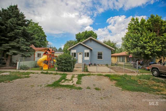 537 Wyoming St, Gooding, ID 83330 (MLS #98773678) :: The Bean Team