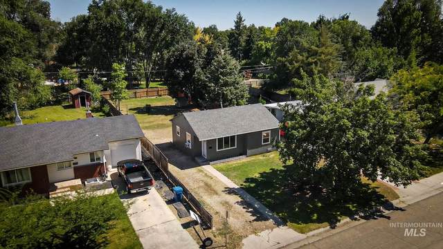 1320 10th Ave S, Nampa, ID 83651 (MLS #98773764) :: Navigate Real Estate
