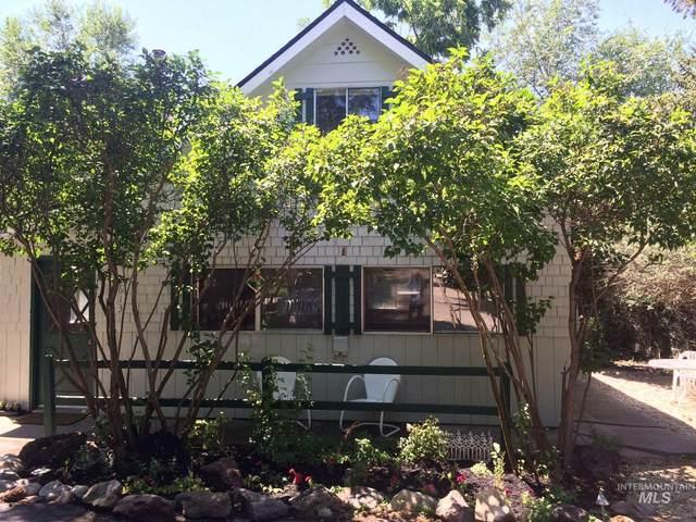 2613 N Woody Drive, Boise, ID 83703 (MLS #98774792) :: Adam Alexander
