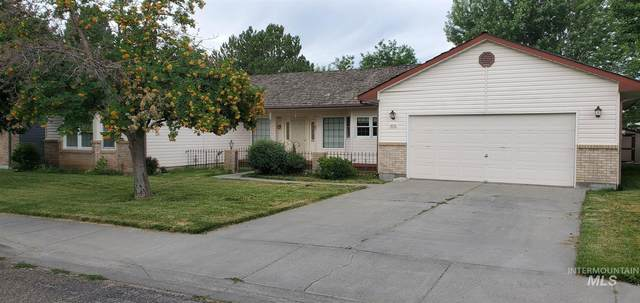 1825 N 6th E, Mountain Home, ID 83647 (MLS #98775133) :: City of Trees Real Estate