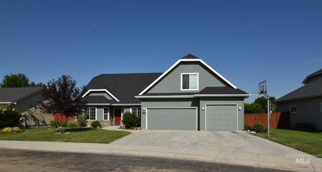 584 N Aspen Lakes Way, Star, ID 83669 (MLS #98775687) :: Michael Ryan Real Estate