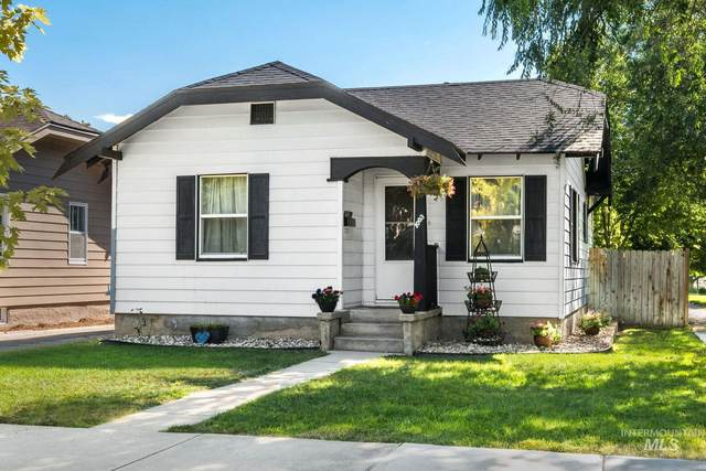 1003 10TH ST S, Nampa, ID 83651 (MLS #98775776) :: Minegar Gamble Premier Real Estate Services