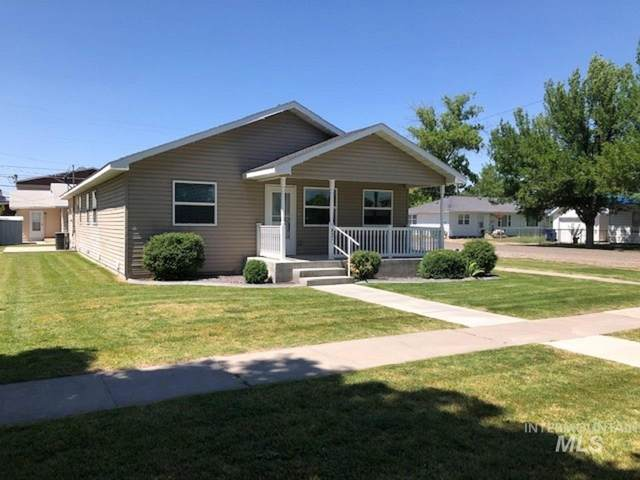 821 E Street, Rupert, ID 83350 (MLS #98776065) :: New View Team