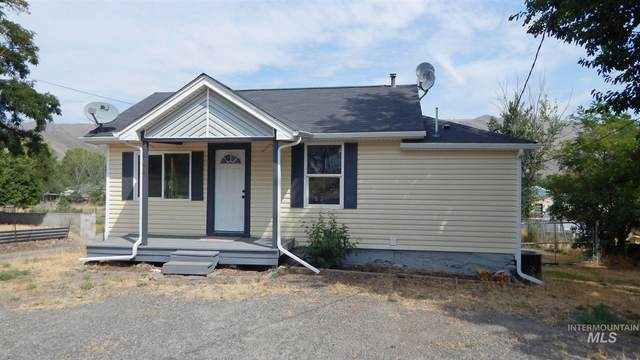 1374 Maple St., Clarkston, WA 99403 (MLS #98776072) :: Navigate Real Estate