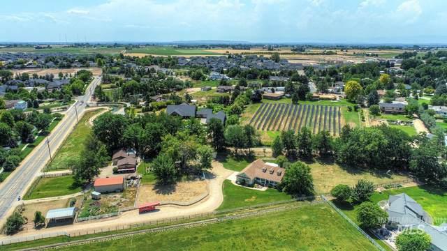 2833 S Stoddard Road, Meridian, ID 83642 (MLS #98776260) :: Team One Group Real Estate