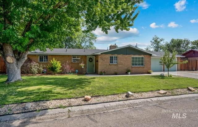 3805 W Pasadena Dr, Boise, ID 83705 (MLS #98776445) :: Full Sail Real Estate